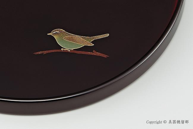 輪島塗 丸盆 8.5寸 干支・うぐいす蒔絵 外黒内溜(部分)