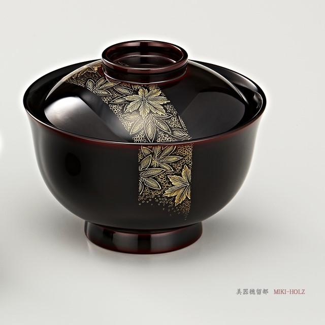 """<p class=""""eig"""">Urushi Art Wajimanuri:covered soup bowl,suimono-wan pair (code:1132)</p><p class=""""nih"""">輪島塗 吸物椀  夫婦  端反り 帯春秋沈金 溜内黒塗 桐箱入り</p><p class=""""nih2"""">帯紅葉沈金のお椀<br>covered soup bowl of momiji-chinkin decoration</p>"""