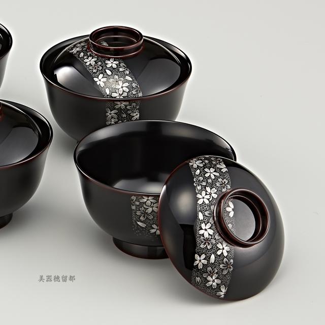 """<p class=""""eig"""">Urushi Art Wajimanuri:Soup bowl  suimono-wan (code:1162)</p><p>輪島塗 吸物椀 端反り 溜内黒塗り 帯春桜沈金 5客揃え</p>"""