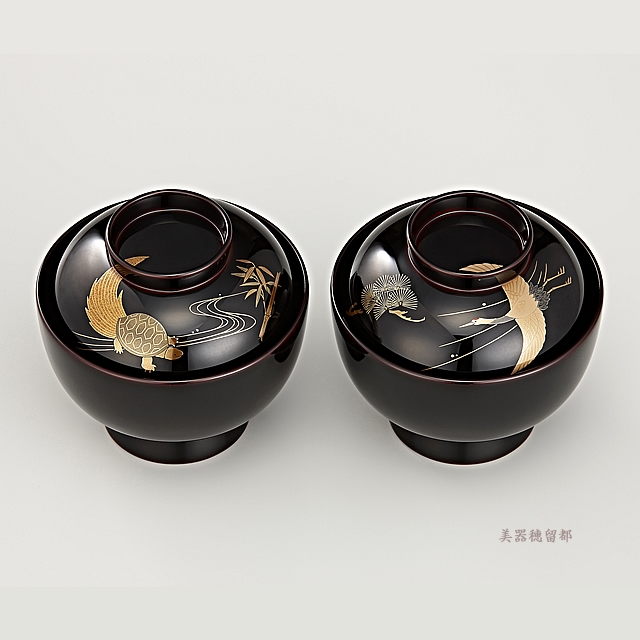 """<p class=""""eig"""">Urushi Art Wajimanuri:Soup bowl zouni-wan, pair bowl (code:1196)</p><p class=""""ga1"""">輪島塗 雑煮椀 夫婦 溜塗 鶴亀松竹梅蒔絵(桐箱入り)</p>"""