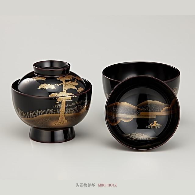 "<p class=""eig"">Urushi Art Wajimanuri:Soup bowl zouni-wan, pair bowl (code:1197)</p><p class=""nih"">輪島塗 雑煮椀 夫婦 溜内黒塗 松島蒔絵(桐箱入り)</p><p class=""nih2"">柔らかさを感じさせる溜塗りに描かれた松島蒔絵。食する寛ぎのひと時に、伝統が身近に寄り添ってくれる。・・・そんな雑煮椀になっています。</p>"