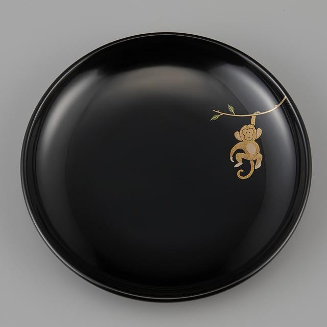 輪島塗 銘々皿 干支 申蒔絵 黒 〔5寸丸〕 1枚 紙箱入:ほぼ真上からの画像