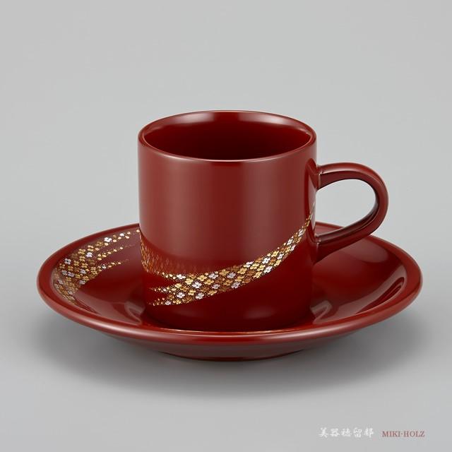 """輪島塗 コーヒーカップ 小華沈金 ペア 外黒内白/うるみ (漆塗りスプーン付き)のうるみのカップ。<br>塗り立てですので、呂色仕上げの黒のカップのようなツルツル感の強い艶はありません。しっとりしています。<br><br>※ 単品での購入は次の下記リンクページをご利用くださいませ。<br><a href=""""http://www.wajimanuri.jp/i/1981urumi""""><font color=""""blue"""">輪島塗 コーヒーカップ 小華沈金 うるみ</font></a>"""