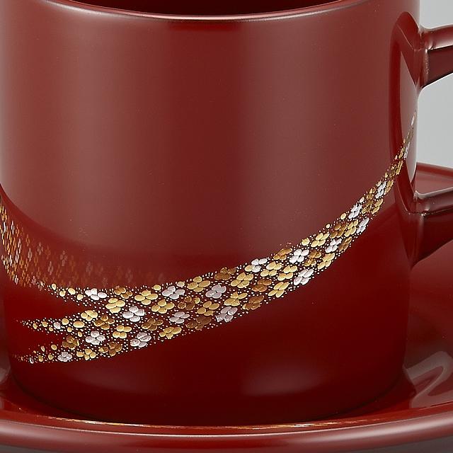 きらきらと細かな小華沈金が美しいです。// 輪島塗 コーヒーカップ 小華沈金 うるみ (漆塗りスプーン付き) 部分画像<br><br>