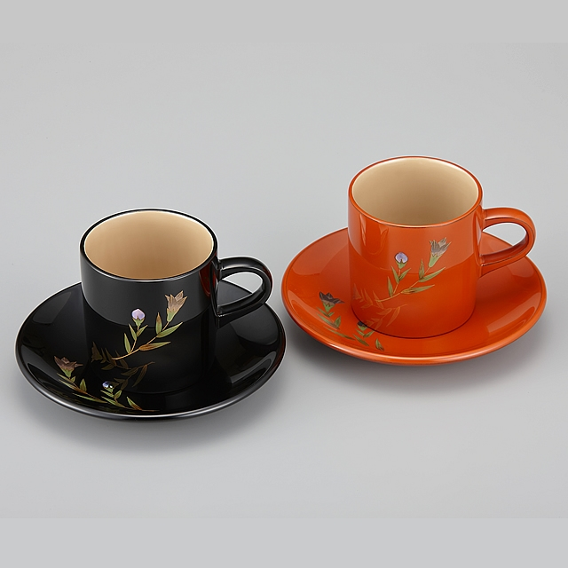 輪島塗 コーヒーカップ りんどう蒔絵 ペア 外黒内白/外洗朱内白 (漆塗りスプーン付き)/Urushi Art Wajimanuri:coffee cup pair(code:1982)