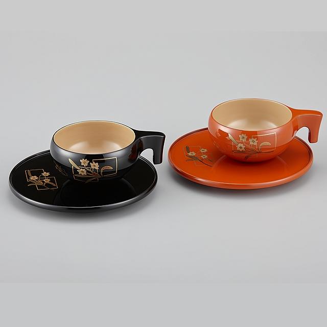 輪島塗 コーヒーカップ 色紙水仙蒔絵 ペア 外黒内白/外洗朱内白 (漆塗りスプーン付き)