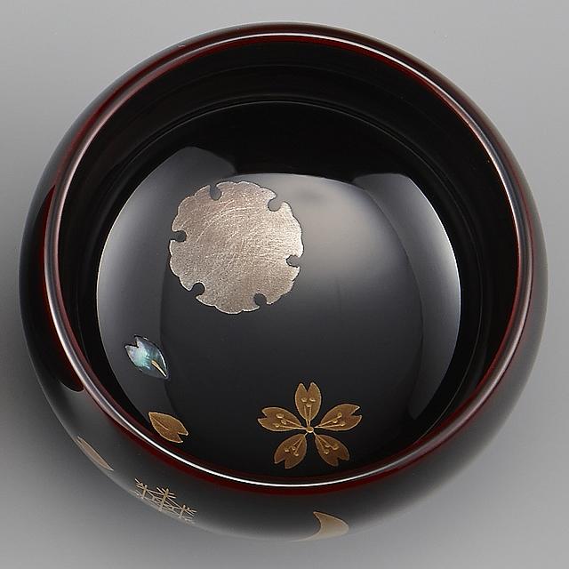 "<p class=""eig"">Urushi Art Wajimanuri:sake cup (a single article) snow,moon & flower (code:3162 - a nandin)</p><p>輪島塗 ぐい呑み 溜塗り 草花季節蒔絵 雪月花</p>"