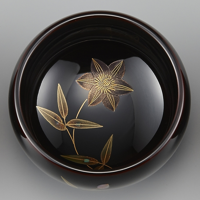 """<p class=""""eig"""">Urushi Art Wajimanuri:sake cup (a single article) a kind of clematis (code:3162 - a kind of clematis)</p><p>輪島塗 ぐい呑み 溜塗り 草花季節蒔絵 鉄線</p>"""