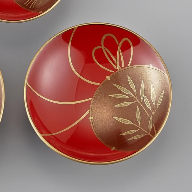 輪島塗 屠蘇器 小判形 鼓蒔絵 盃(真ん中のサイズの盃):三枚重ねの真ん中になる盃には竹です。